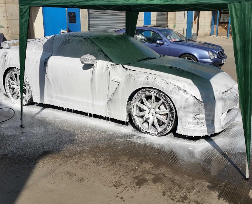 R35 GT-R snowfoam